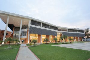 Autoridades inauguran imponente Salón Social Internacional