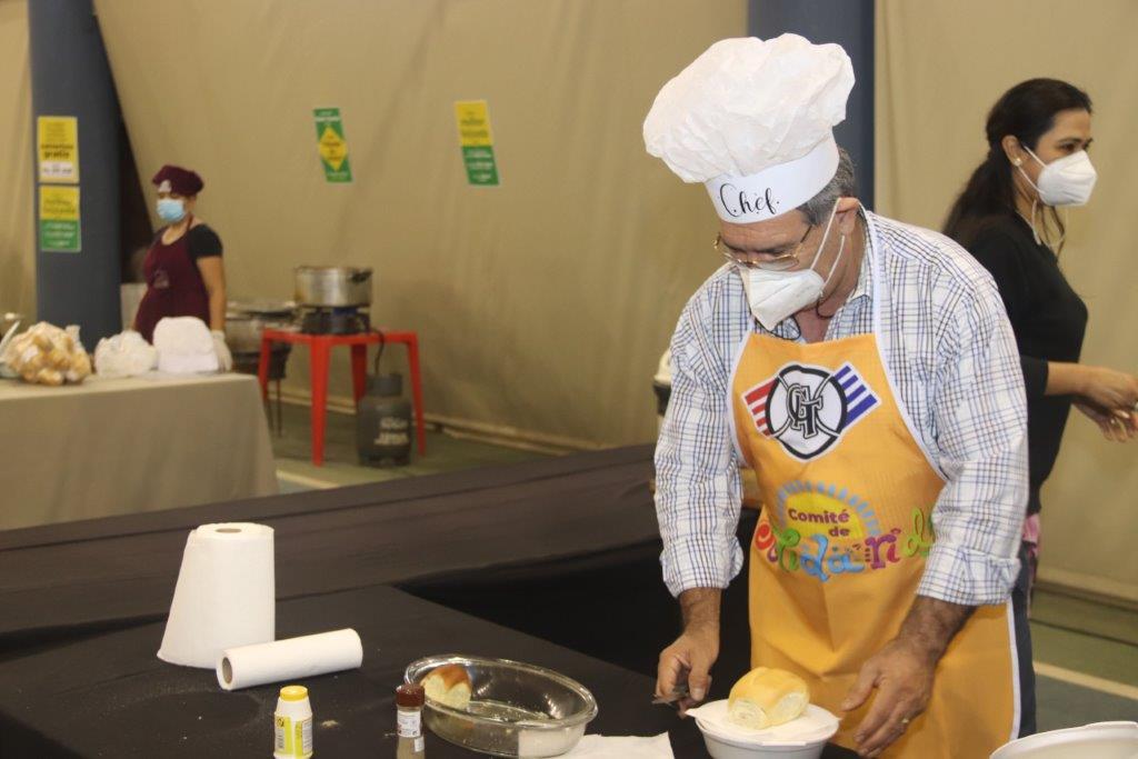 """Solidaridad y gastronomía en """"Cocinando entre Amigos"""""""